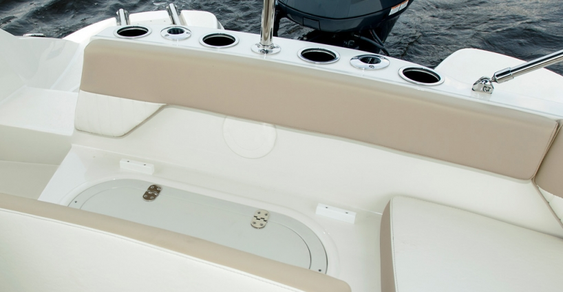 Stingray<br>Deck Boat 192 SC